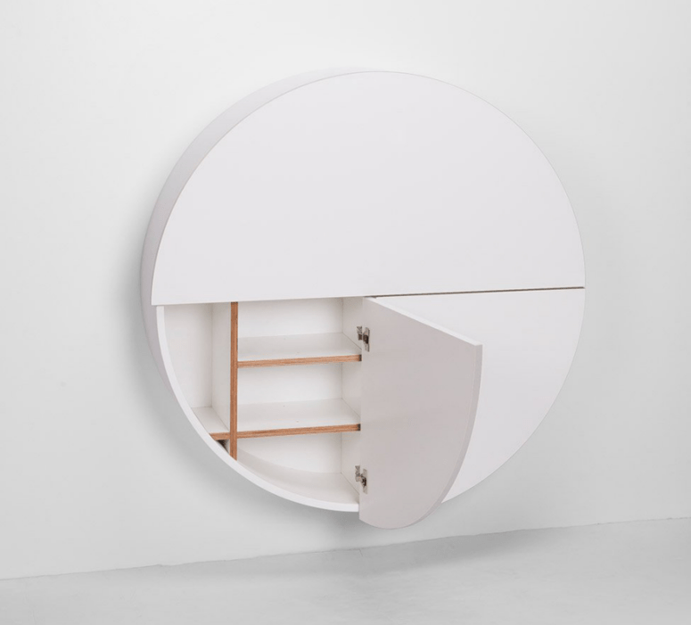 There's storage space not only in the upper but also in the lower part of the desk