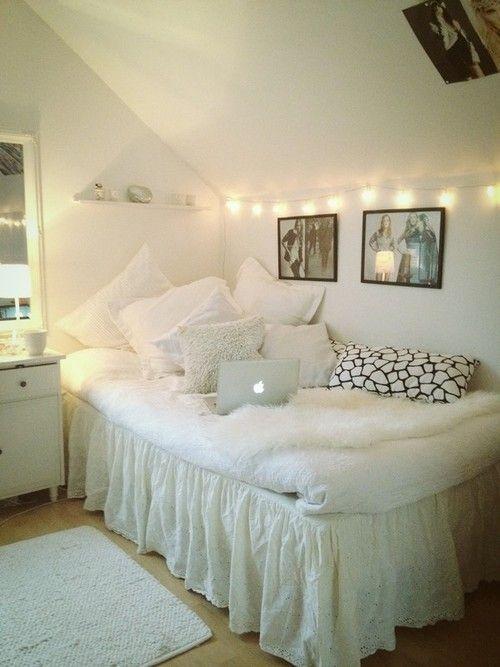 Decorating Ideas > 31 Cool Dorm Room Décor Ideas You'll Like  DigsDigs ~ 213824_Dorm Room Ideas White