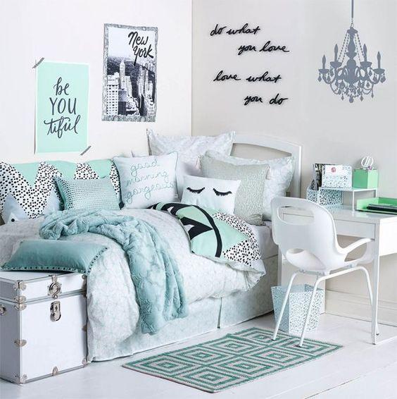 31 Cool Dorm Room Décor Ideas You'll Like  DigsDigs ~ 054541_Aqua Dorm Room Ideas