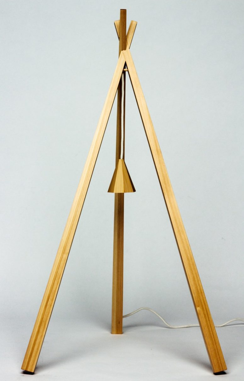 Matsumata lamp recreates wooden stakes that guide the growth of young trees