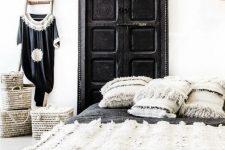 09 Moroccan wedding blanket + handira pillows create an ambience here