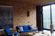 09 cork ceiling and walls create a cozy and warming up ambience
