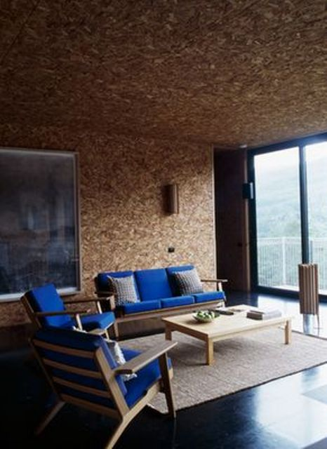 cork ceiling and walls create a cozy and warming up ambience