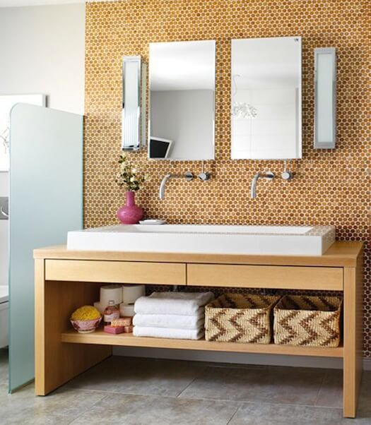 corked walls will add coziness to your bathroom, and that's essential