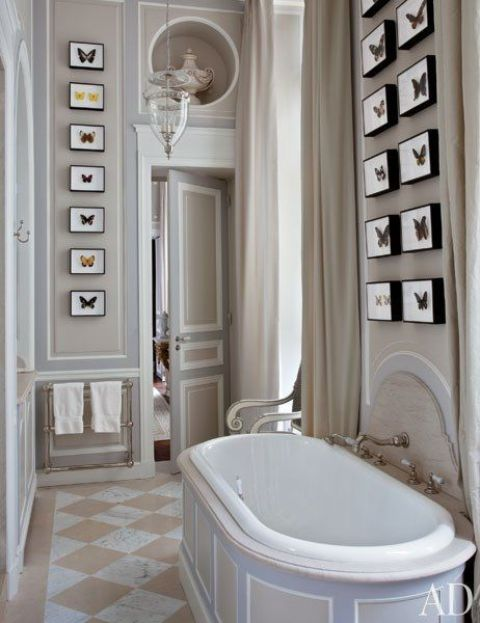 30 timeless taupe home d cor ideas digsdigs for Light brown bathroom ideas
