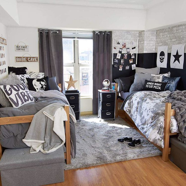 boys dorm room in black and gray tones could also be quite stylish (via @dormroomsupplies)