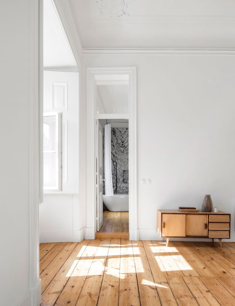 Peaceful Monochrome Apartment In A 19th Century Building