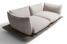 03 The base is made of wooden slats and the seatings themselves are large soft pads