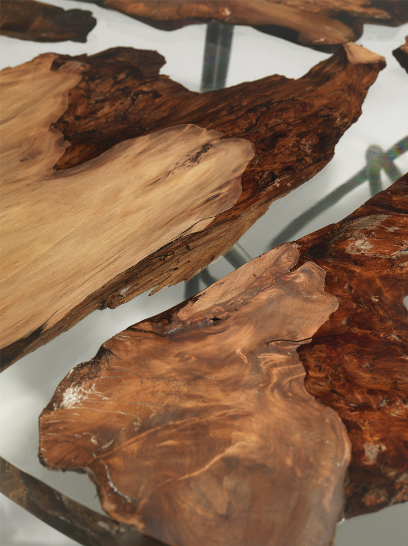 The wood looks so natural and textural while being sleek in the resin top