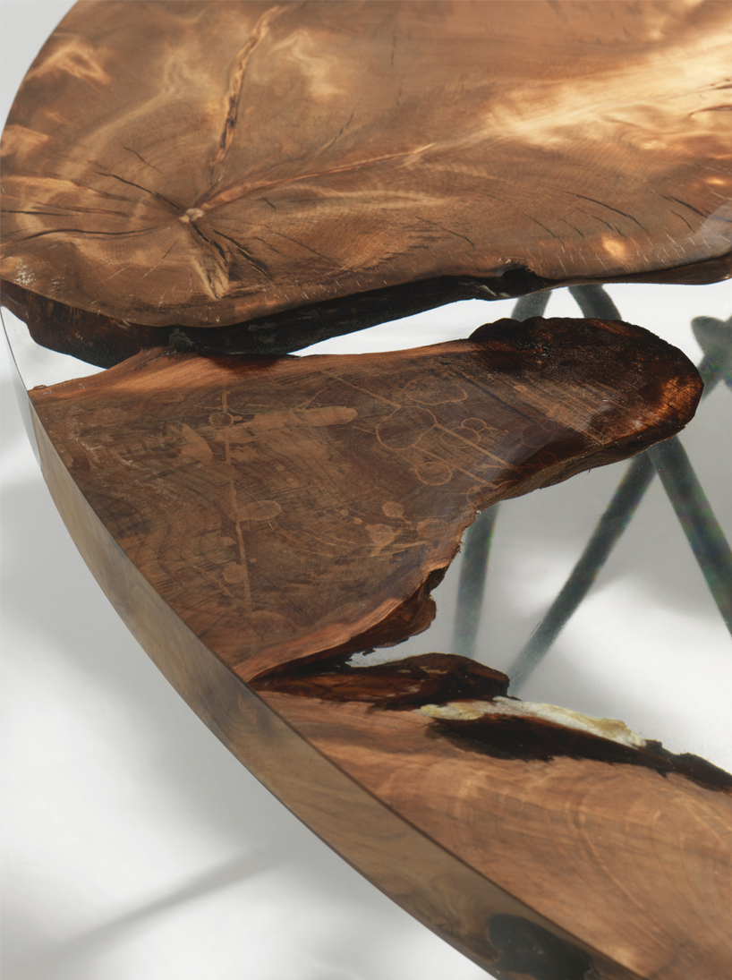 The pieces of wood show a stylized map of our world, that's why the name of the piece is Earth