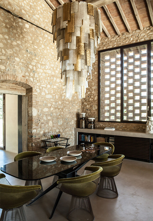 Wooden Beams, Stone Clad Remind Of The Historical Past Dining Space  And Modern E