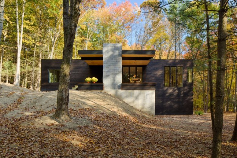 The home is also a hillside one, and the architects had to take this into consideration while building
