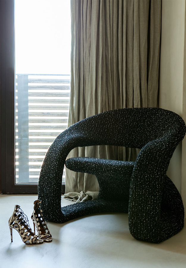 This chair is so glam and sparkling, it shows the love to refined decor