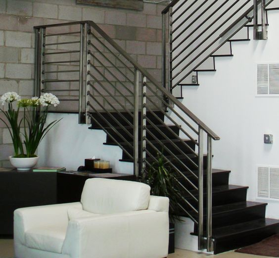 highlight your modern decor with simpel wrought iron railing with no pattern