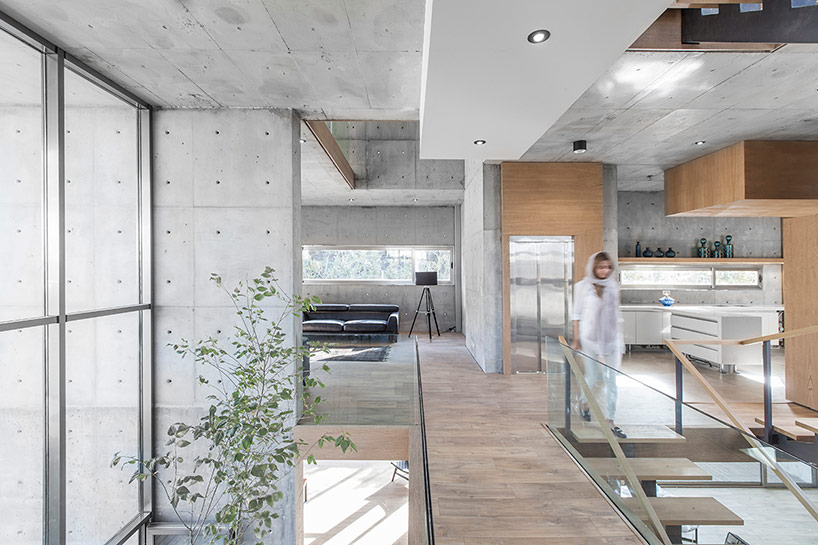 The home looks and feels very modern and inviting, such a chic place