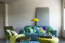 14 blue, emerald and lime green living room with a round carpet and a round coffee table