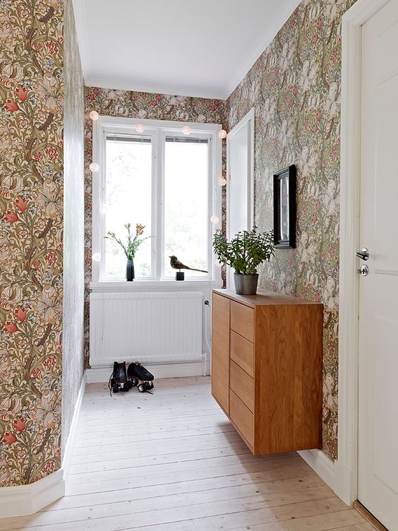 botanical print multi-color wallpaper for an entryway