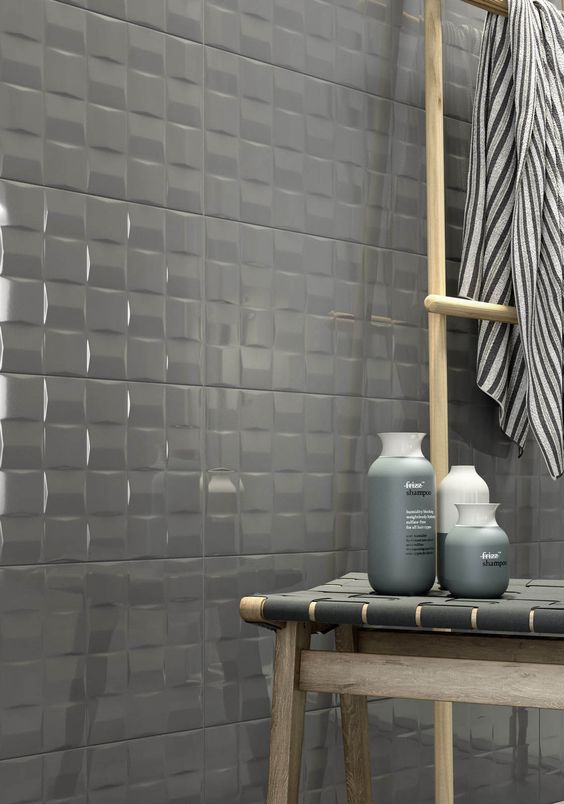 pottery shining glaze with a 3D effect for a bathroom or kitchen