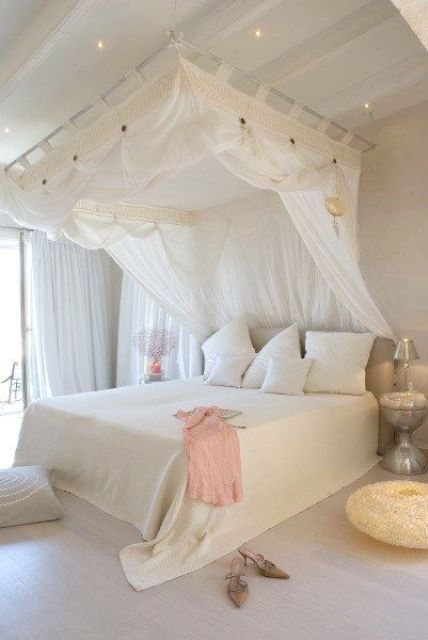 33 canopy beds and canopy ideas for your bedroom digsdigs for Bed decoration with net