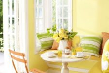 33 there's nothing better for a cozy breakfast nook than shades of sun and grass