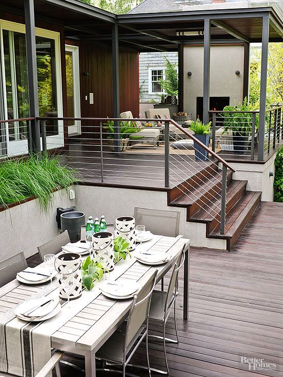 metal, wood and cable railings let the outdoor spaces merge and look bigger than they are