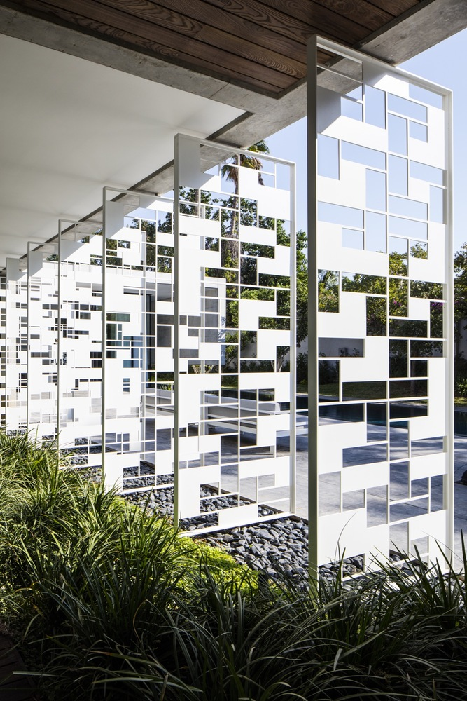 This net screens can be moved and changed to make the facade more dynamic or to let more light in
