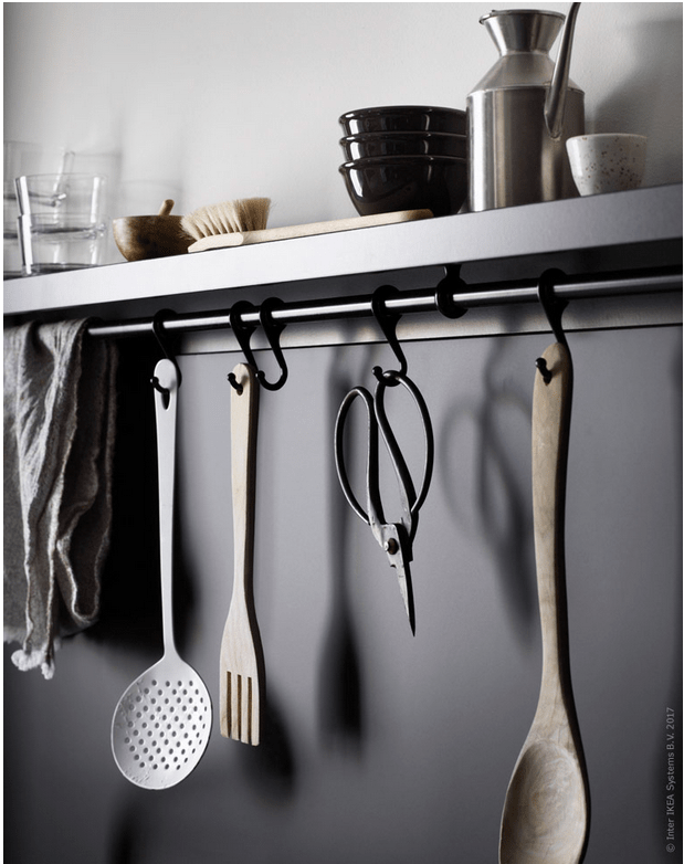 Rails create enough space for hanging all the kitchenware
