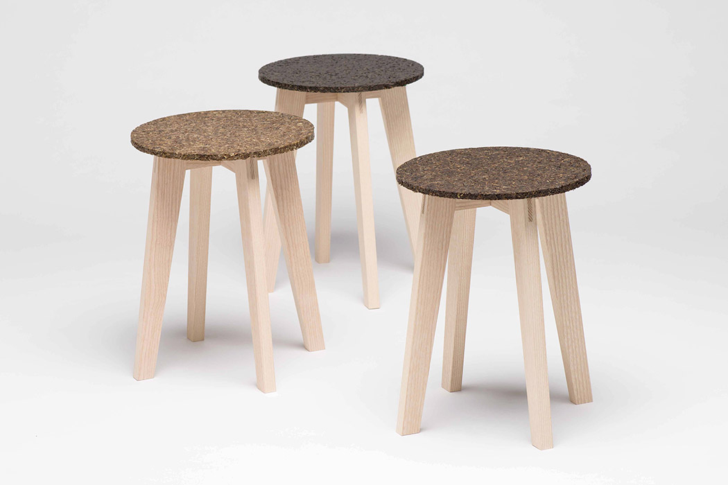 There are several shades of seats available according to the shades of eelgrass, all of thhem look 100% natural