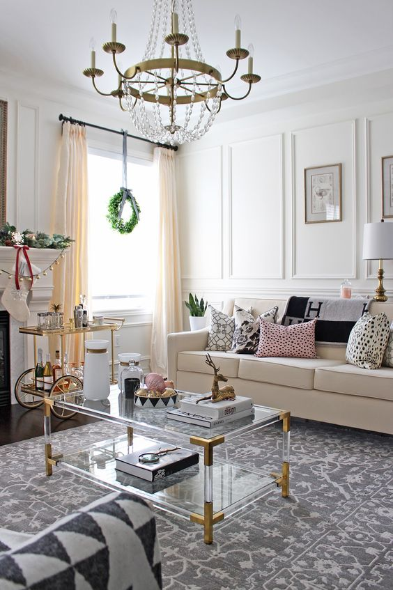 32 feminine living room furniture ideas that inspire for Edgy living room ideas