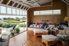 21 rolled up garage doors for a countryside living room