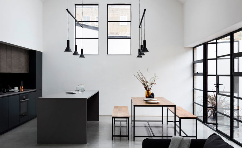 A schoolhouse turned into a minimalist and industrial home for Arredo minimal home