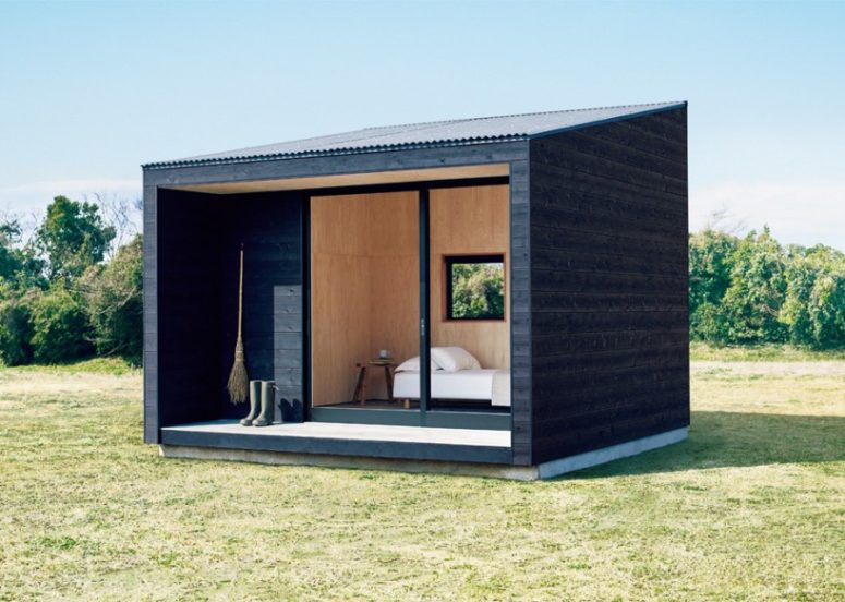 This minimalist hut was is very compact and can be placed wherever you want