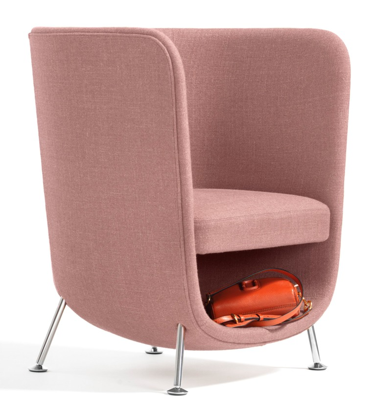 Four steel legs make the chair stable and comfy in using   such a cool shell