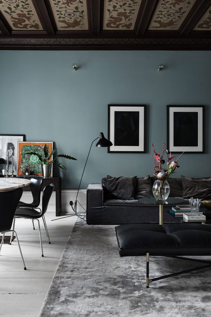 The play of textures, different materials make the spaces eye catchy, chic, stylish and show their own character