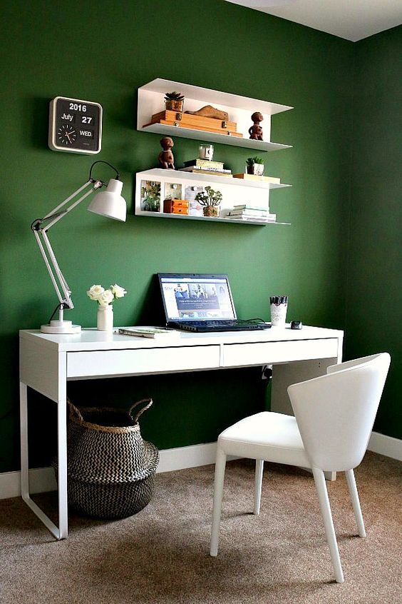 feel more natural and calm with a green statement wall
