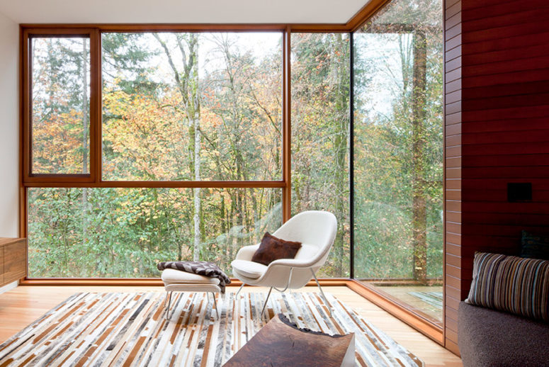 Every space here is glazed so that it seems to blend with nature