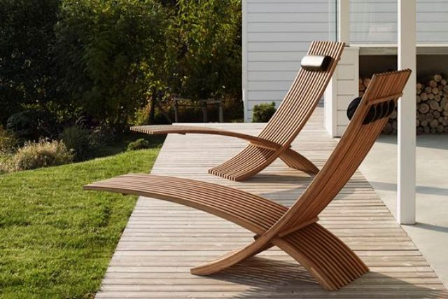 Chic Sculptural Teak Loungers For A Modern Outdoor E