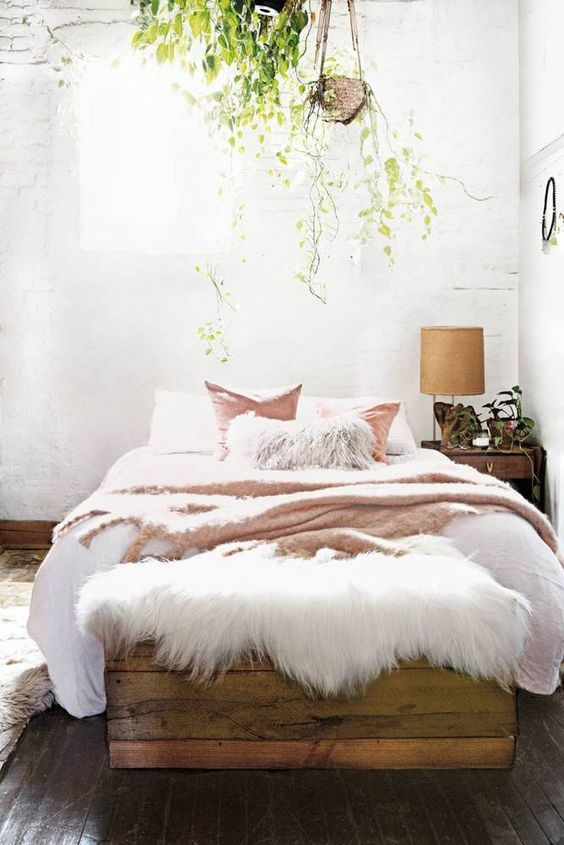 3 tips and 30 ideas to refresh your bedroom digsdigs for Bed styles for small rooms