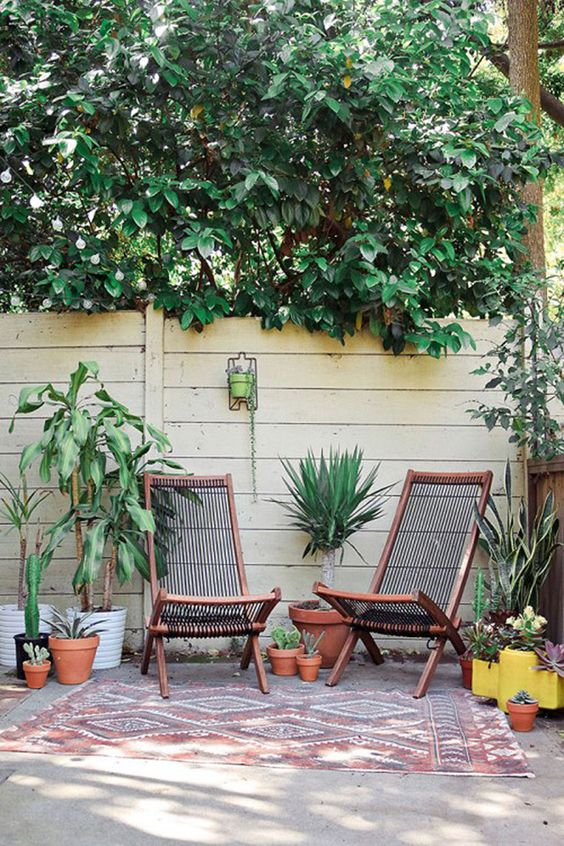 BROMMÖ lounge chairs are a chic and comfy solution for your outdoor space