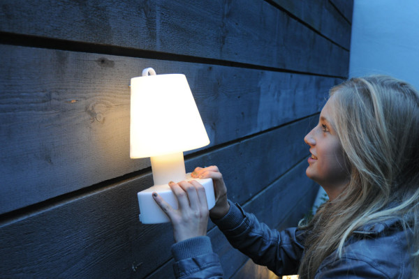 Bloom wall lamp by Rob Slewe (via design-milk.com)