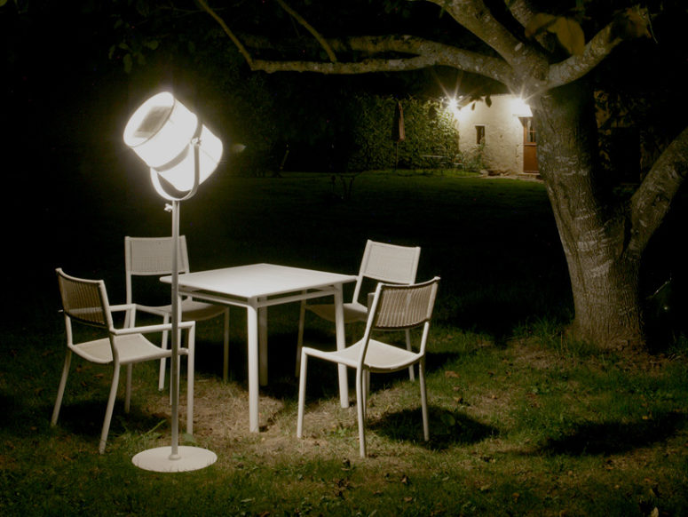 Paris lamp by Maiori (via www.designboom.com)