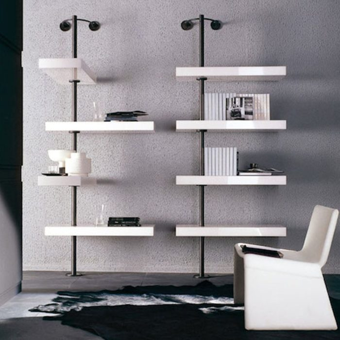 The Domino Expo exposes the things that are placed on it with its white oak shelves