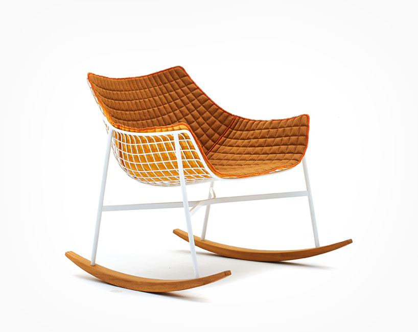 The iroko wood base compliments with steel structure and the soft cushion