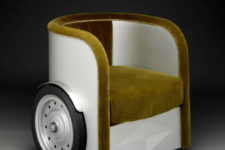 02 The piece has wheels for mobility and it's upholstered with velvet available in different shades like ocher or red