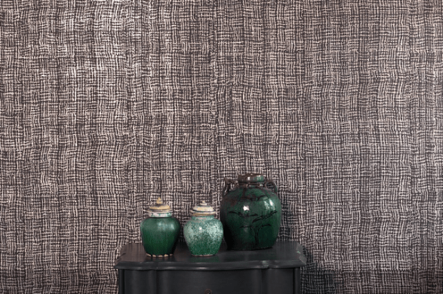 Washi is made of crushed and devoré paper on metallic ground, fire resistant