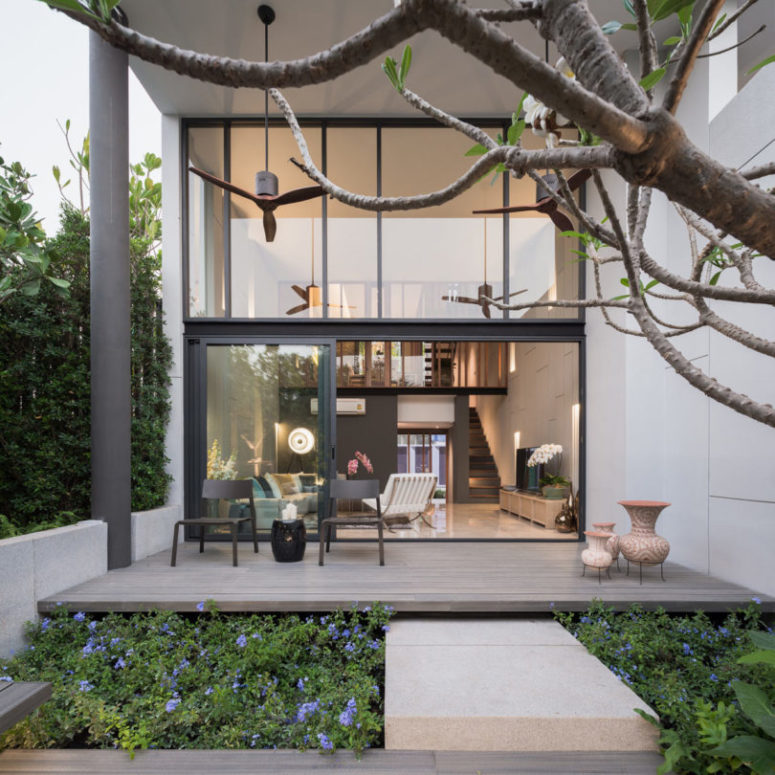 Private Small Garden Design: Modern Luxurious Townhouse With A Private Garden
