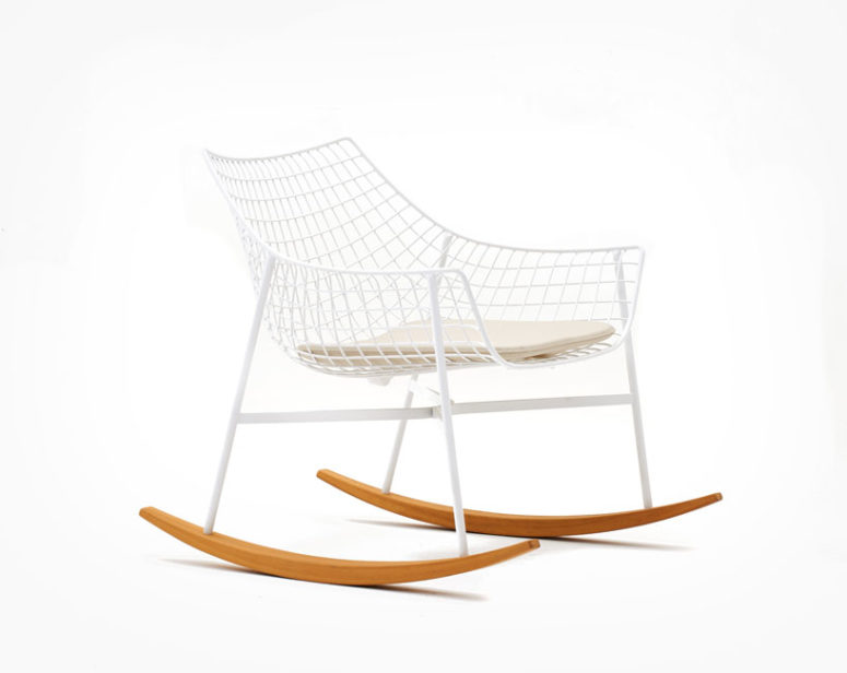 The net structure makes the chair lightweight and modern-looking