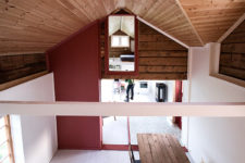 05 The original building comprised a range of materials, and included both vertical and horizontal paneling