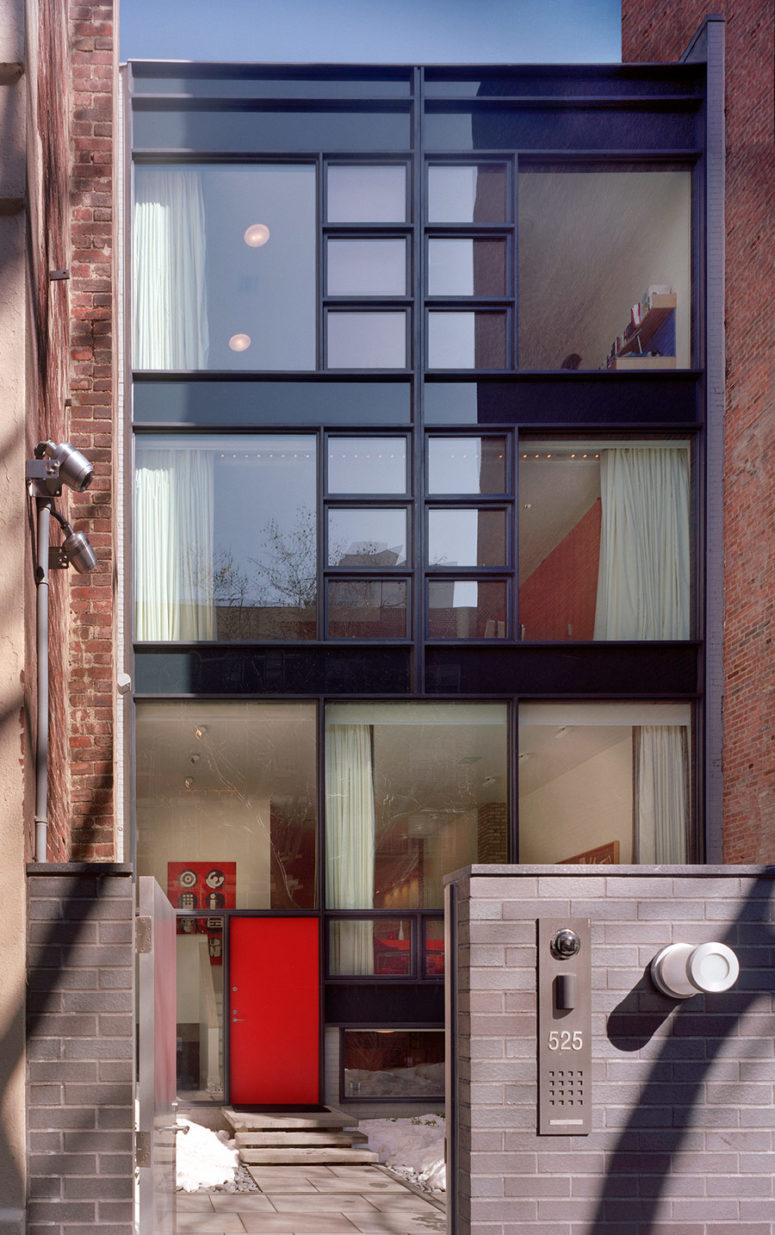 the townhouse is pretty narrow and designing it and giving it a spcious look was chllenging