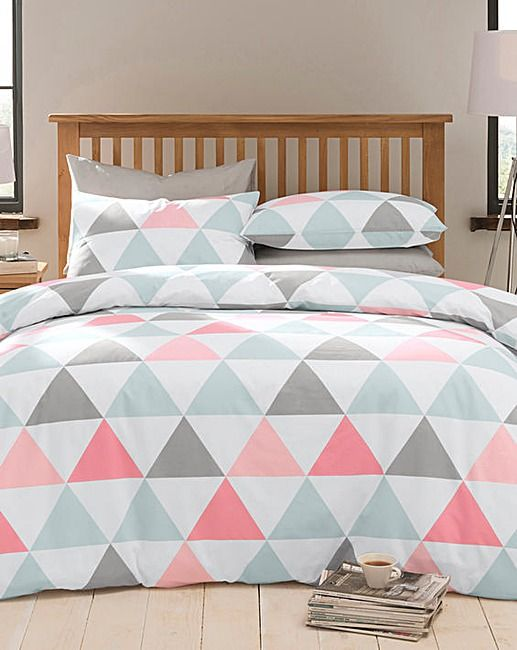 C Grey And White Bedding With A Triangle Print